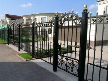 Ворота, решітки, вироби з металу